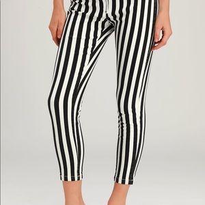 NWT Lulu's Aptitude Black/ White Crop Skinny Jeans